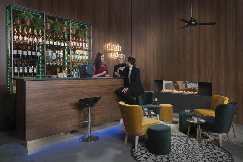 element4-club-140-roomdivider-image